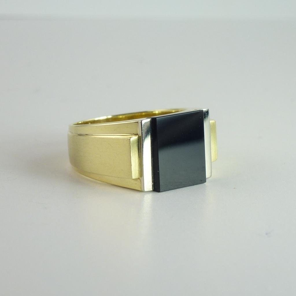 Vintage Black Onyx 14kt Gold Man's Signet Ring