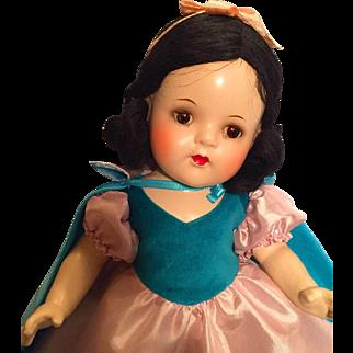Gorgeous Madame Alexander Snow White composition doll