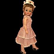 Pretty vintage Cissy outfit