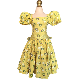 Madame Alexander Cissy yellow wreath dress