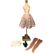 Cissy lace slip and accessories