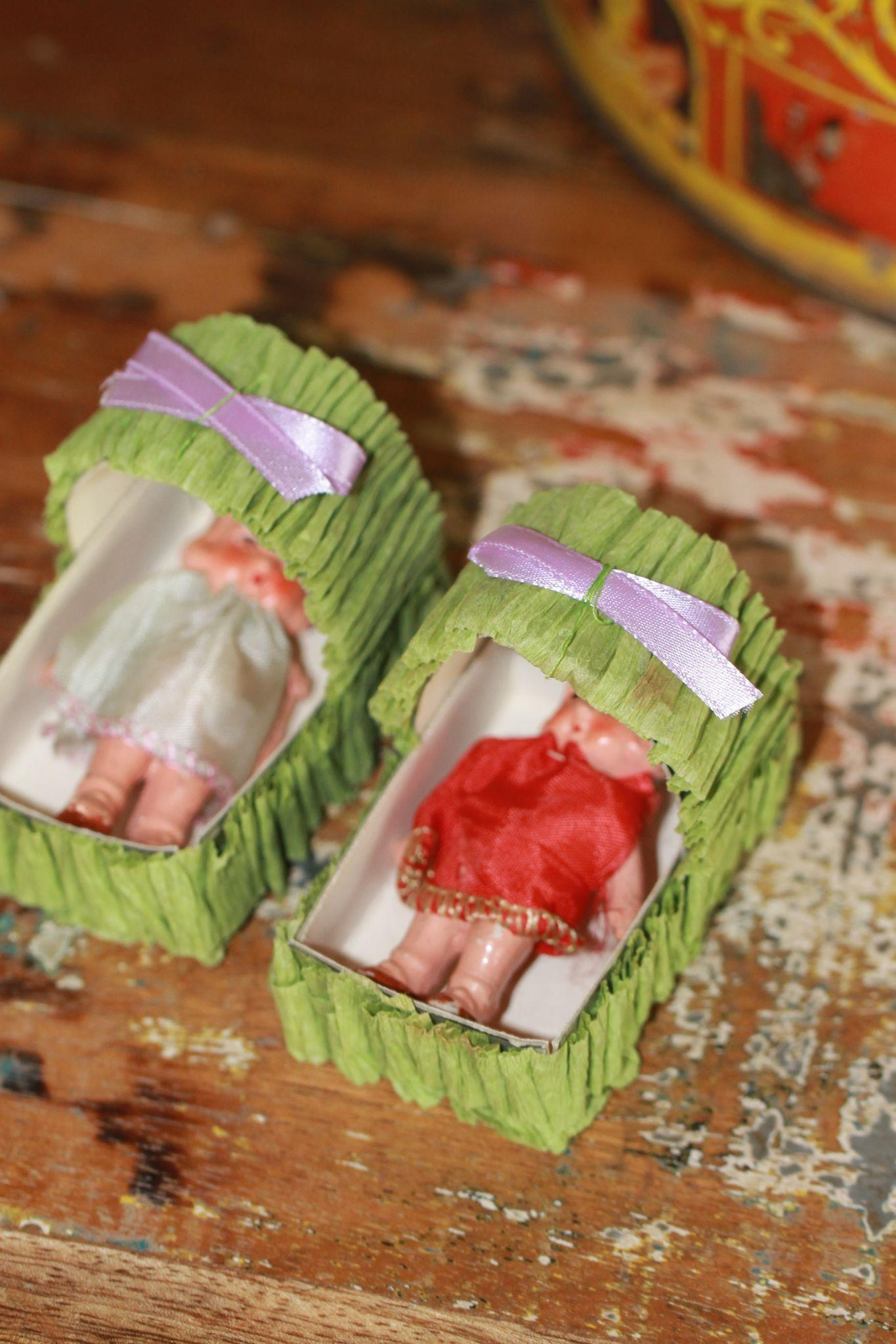 2 Baby Shower Doll Favors? 1940s With Bassinets   Doll House