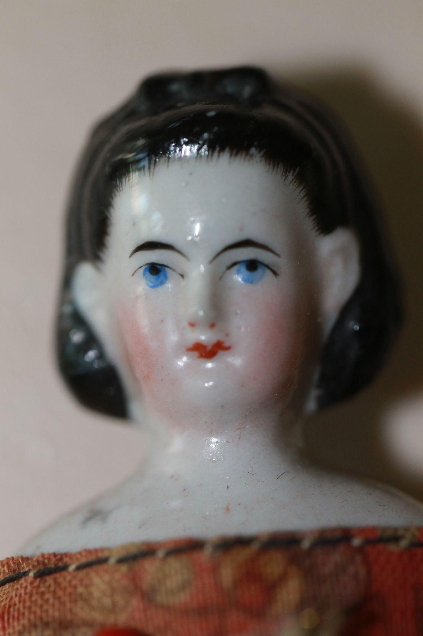 1860s-70s China Doll House Doll Snood, Bow AO