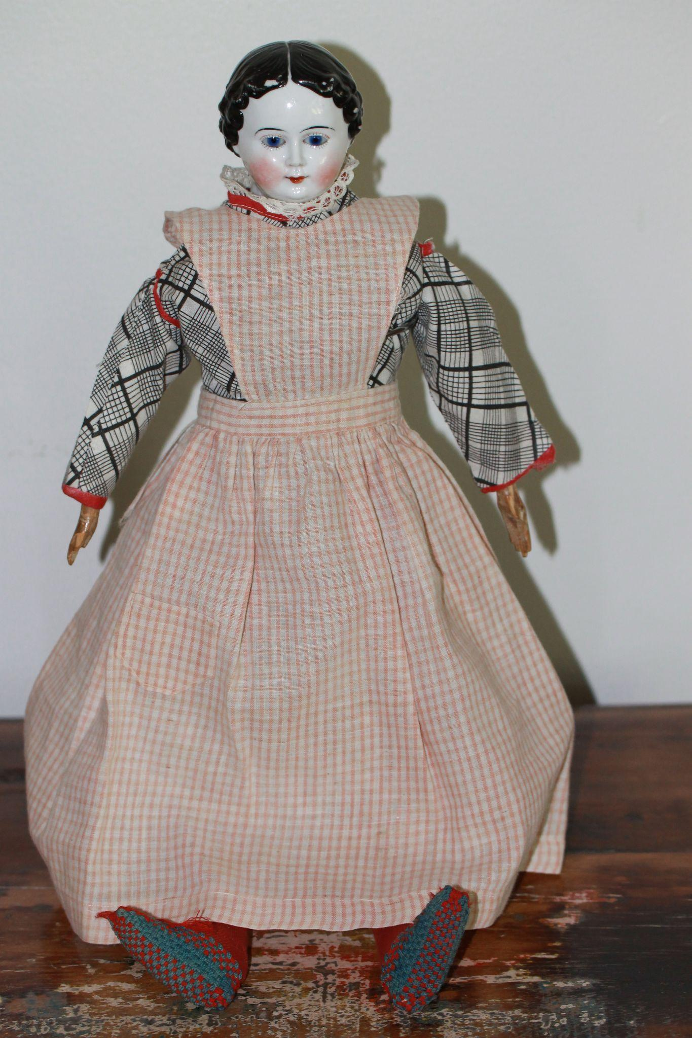 Antique Apron w/Pocket For China, Bisque, Cloth Doll