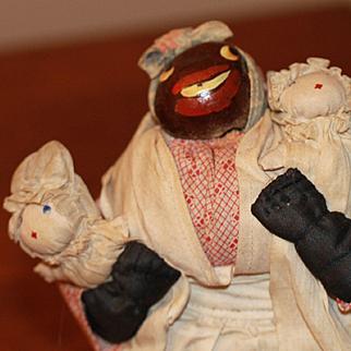 '30s Black Buckeye Doll W/White Babies