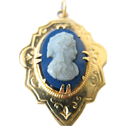 Antique Agate Carved Cameo French Yellow Gold Plated Pendant Victorian Jewelry mid 19th Century