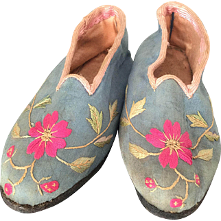 Rare French Georgian Silk Embroidery Child Shoes 18th C - Louis XVI and Marie Antoinette era