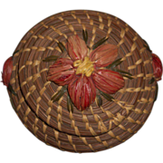 Vintage Folk Art Native American Coushatta Indian Tribe Pine Needle Basket w/ Lid and Floral Raffia Decoration