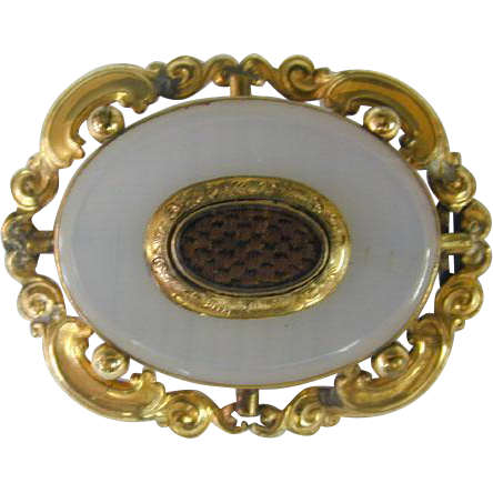 Victorian White Onyx And Hair Pinchbeck Mourning Pin Brooch, England, Circa 1860.