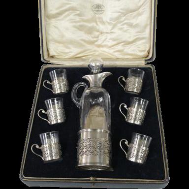 Sterling Silver & Glass 7pcs Liqueur Set, Goldsmiths & Silversmiths, London, 1924.