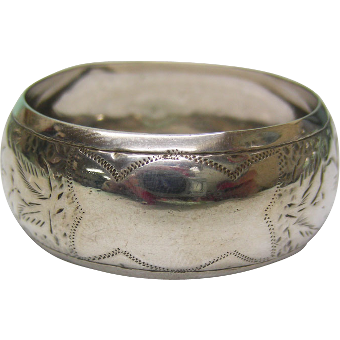 Sterling Silver Napkin Ring By William Devenport, Birmingham, England, 1913.