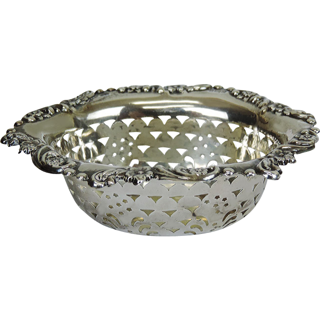 Edwardian Sterling Silver Pin Dish By William Aitken, Birmingham, England, 1902