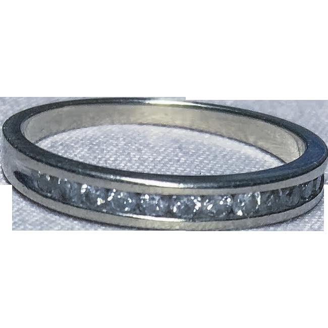 10k White Gold 12-Diamond Band Ring
