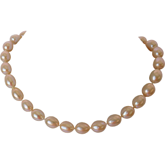 Peach blossom cultured pearl necklace