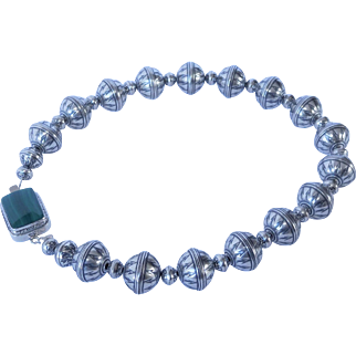 Contemporary sterling silver Navajo pearl necklace