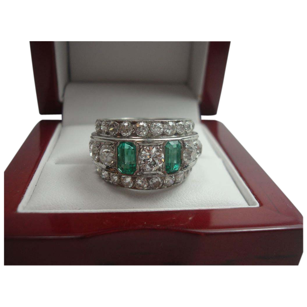 Art Deco 3.90 cttw Diamond and Emerald Platinum Eternity Ring
