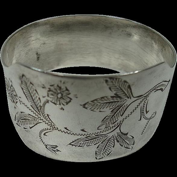 Swedish 830 Leaf and Floral 1961 Napkin Ring