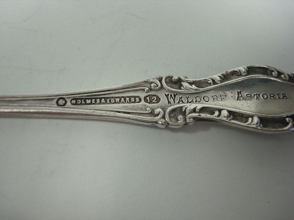 Holmes edwards silver plate waldorf astoria demitasse for Waldorf astoria antiques
