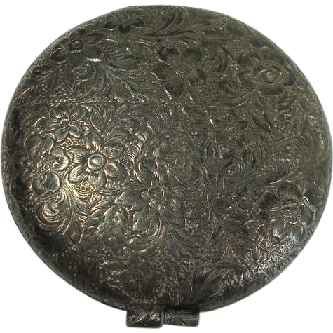 Gorgeous Floral and Leaf Small Silver Plate Compact
