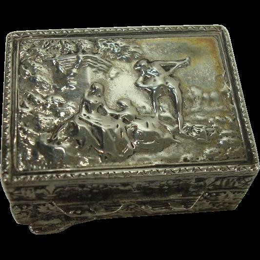 Peruzzi Italian 800  Scenic Pill or Snuff Box