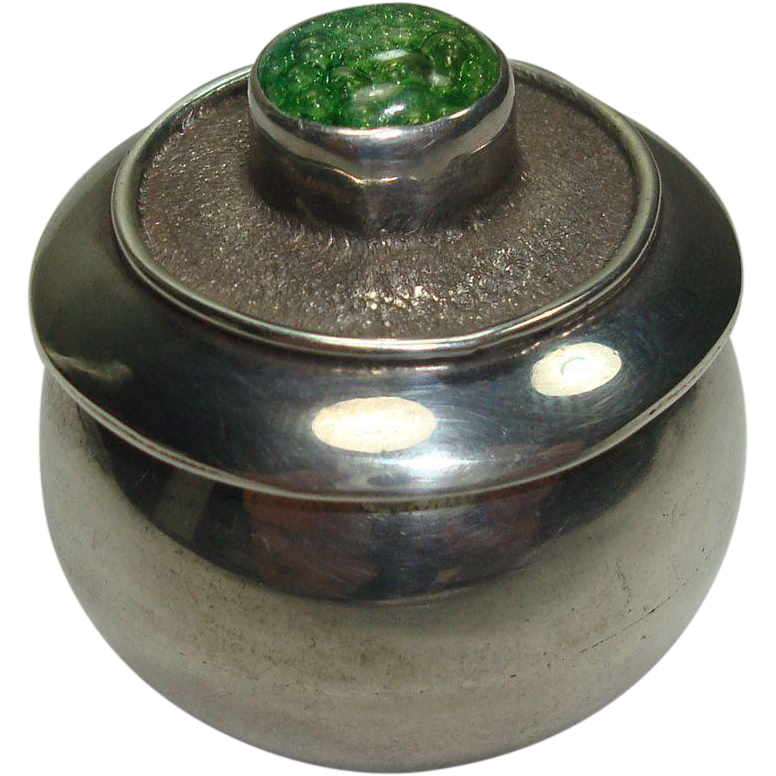 Cute Pot Style Sterling Pill Box
