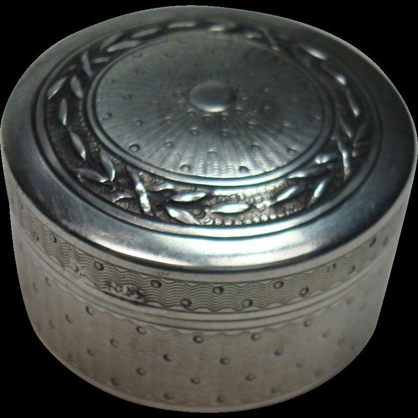 Very Nice Sterling Sunray Round Pill Box