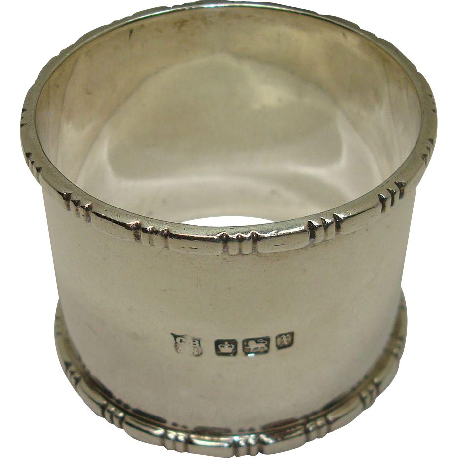 1915 Sheffield Cooper Bros & Son Chased Border Sterling Napkin Ring