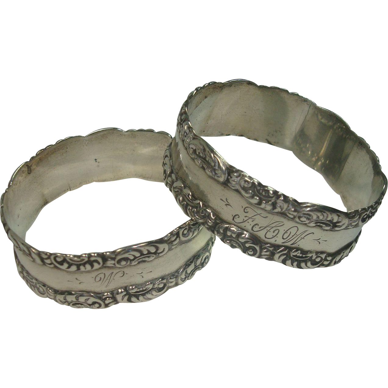 Pair Sterling Acanthus Bordered Napkin Rings