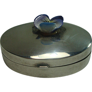 Ari Norman Sterling Oval Pill Box