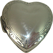 Sterling Cleft Heart Pill Box
