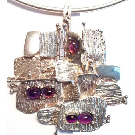 Henkel & Grosse Germany modernist neck ring necklace sterling silver pendant