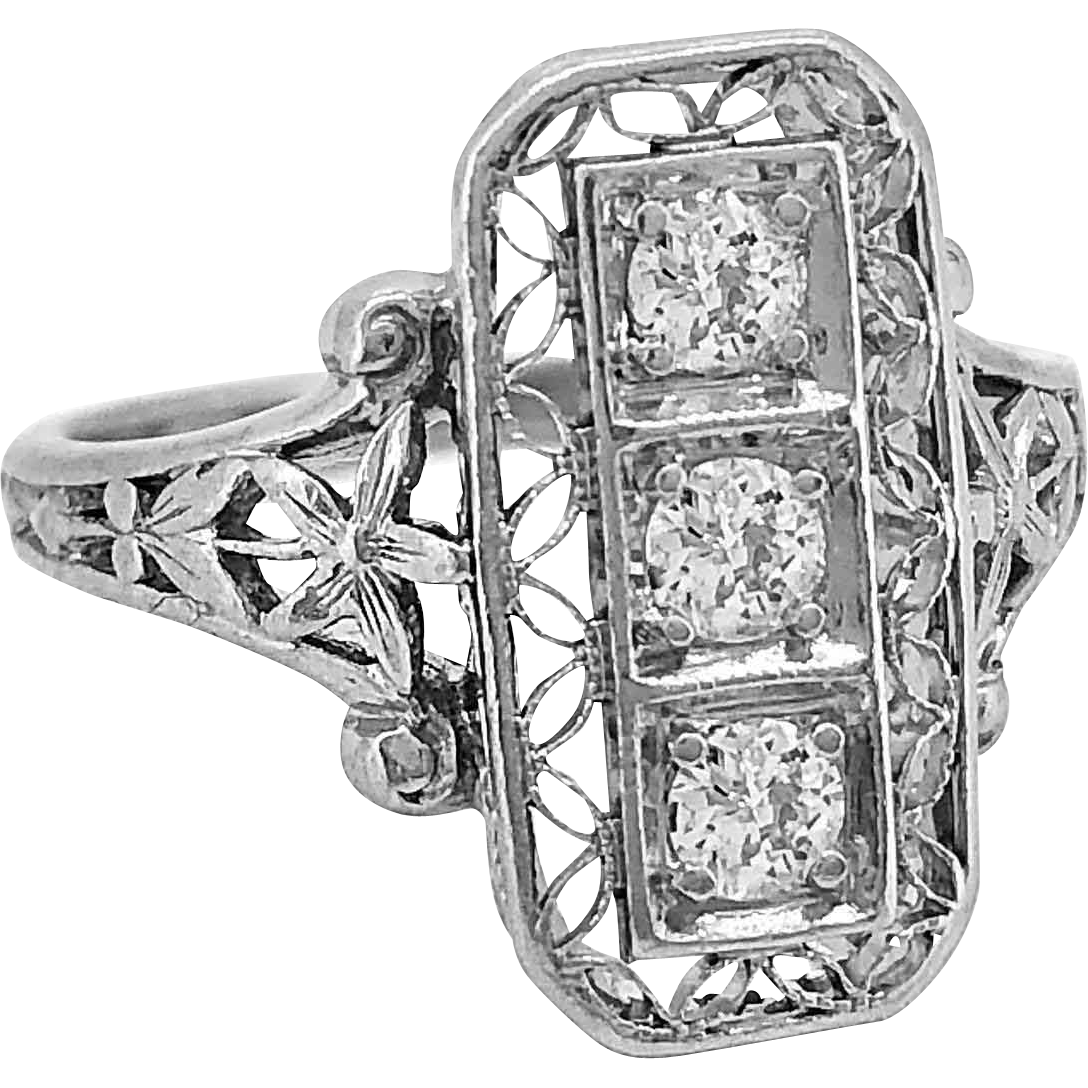 Antique Fashion Ring .20ct. T.W. Diamond & Platinum Edwardian - J35820