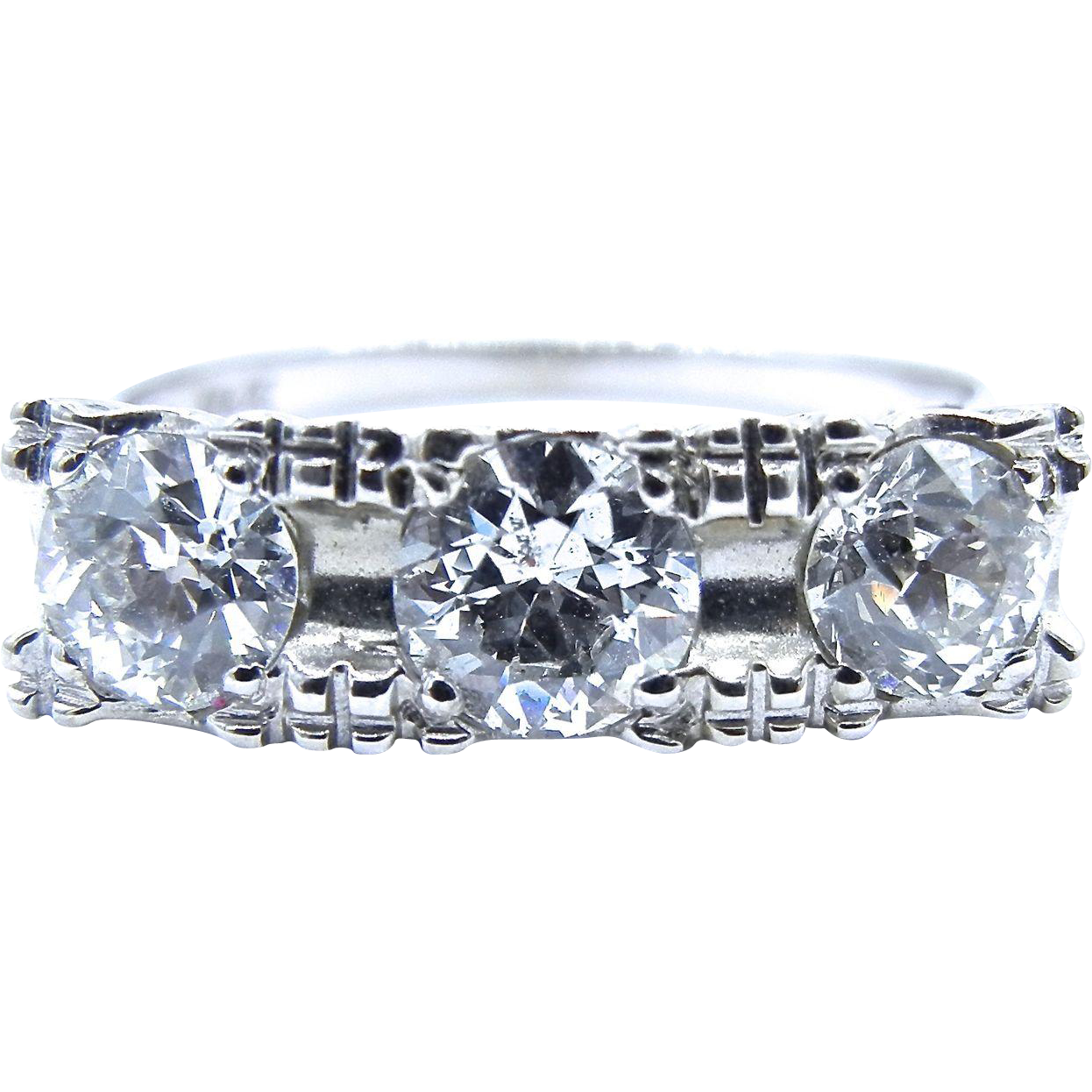 Art Deco 14 Karat White Gold Diamond Ring - Old European Cut Diamonds