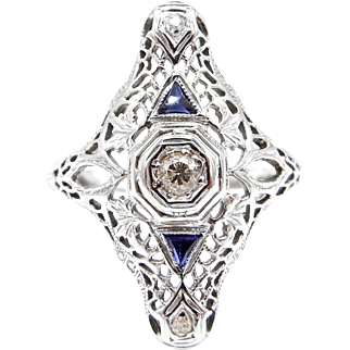 Art Deco 18 Karat White Gold Diamonds and Sapphires Filigree Ring