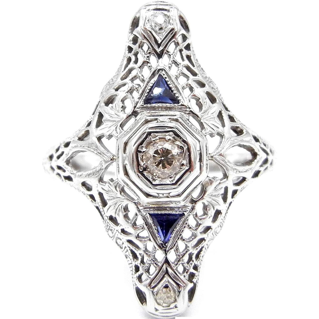 Art Deco 18 Karat White Gold Diamonds and Sapphires Filigree Ring