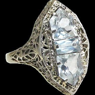 14k White Gold Blue Topaz Art Deco Filigree Ring - Size 5 1/2 - Weight 3.2 grams