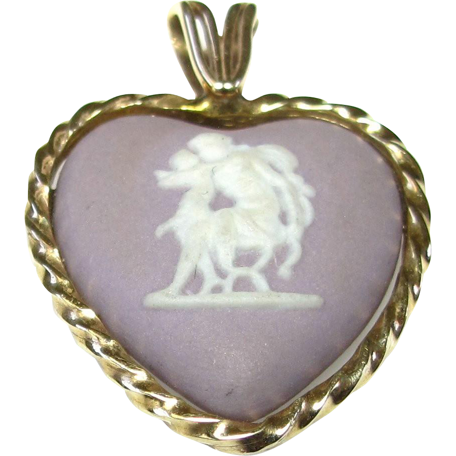 Vintage 14k Yellow Gold Wedgwood Lilac Heart Pendant
