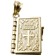 14K Yellow Gold Holy Bible Charm Pendant - The Lords Prayer with Movable Pages - 3D