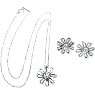 Tiffany & Co Daisy Paloma Picasso Sterling Silver Set - Pendant Necklace and Earrings Set - Retired