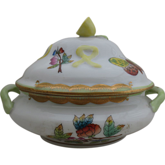 Vintage Queen Victoria Herend Miniature Covered Tureen
