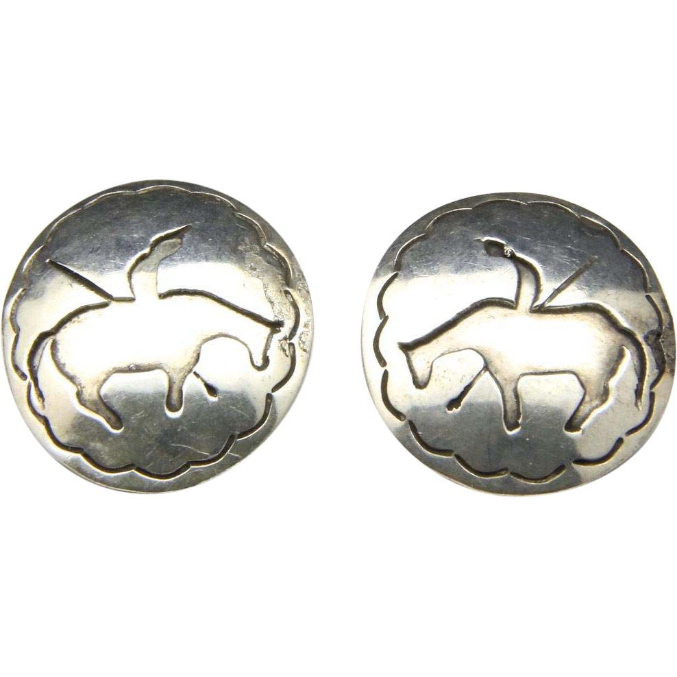 Vintage Sterling Silver Wounded Indian Round Earrings Button Post Back Circle