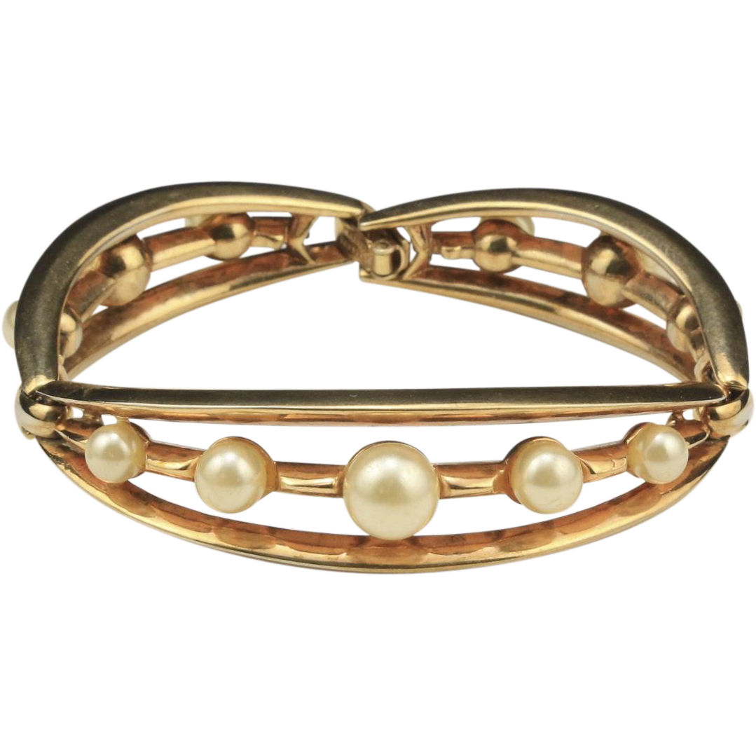 Vintage Trifari Faux Pearl and Gold Tone Hinge Bracelet Retro Jewelry