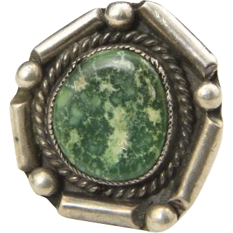 Vintage Sterling Silver & Green Turquoise Ring Modern Style Great Color Sz 8.5