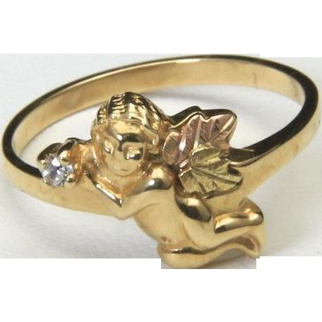 Unique Vintage Cherub Holding Diamond 10k Black Hills & Yellow Gold Ring Size 7