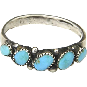 VIntage Zuni Sterling Silver Small Turquoise Stones Band Ring Petit Point Sz 4.5