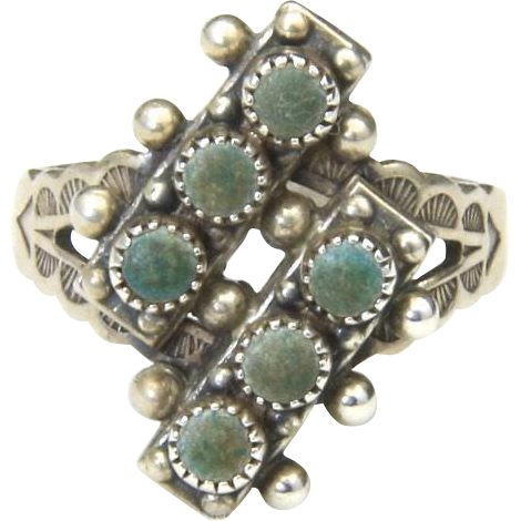 Vintage Zuni Green Turquoise Petit Point Ring Sterling Silver Sz 7 Stamped Band
