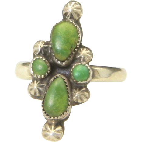 Vintage Sterling Silver & Green Turquoise Stone Ring Petit Point Unique Sz 4.75