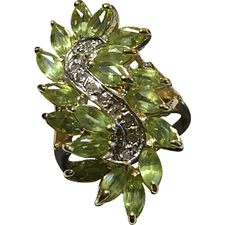Peridot Dia Accented Cluster Ring 14k US Size 8.5