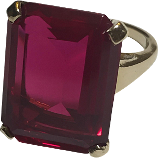 14k Yellow Gold Large Synthetic Emerald Cut Ruby Retro Cocktail Ring Size US 8.25