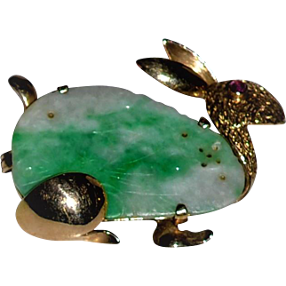 Anitque Chinese Apple Green Jade  14 KT GOLD RUBY Rabbit  Brooch Textured Gold Carved Designs